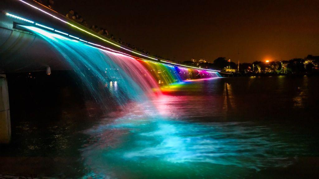 Cầu Ánh Sao lung linh trong đêm